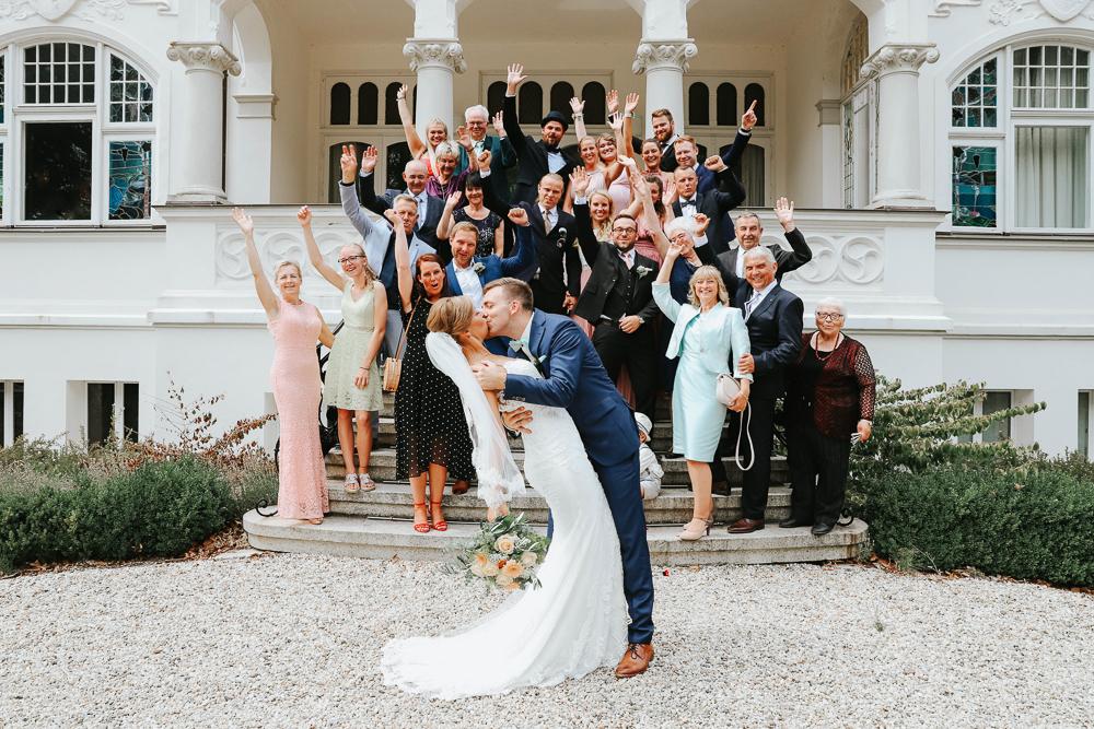 Gruppenbilder Hochzeit Villa Papendorf